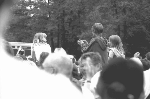 Kinder auf dem Konzertplatz WDR 2 für eine Stadt Radevormwald